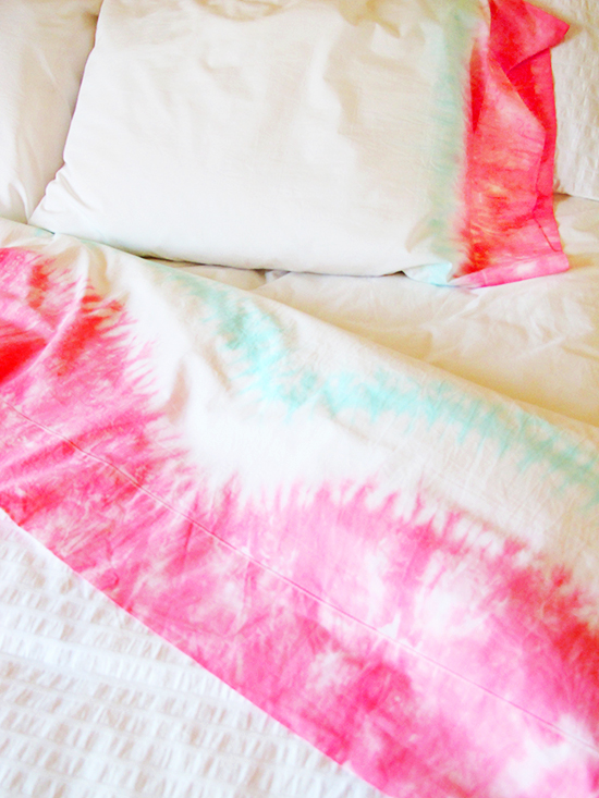 sheets3 Projects to Dye For: Tie Dye Projects Youll Love