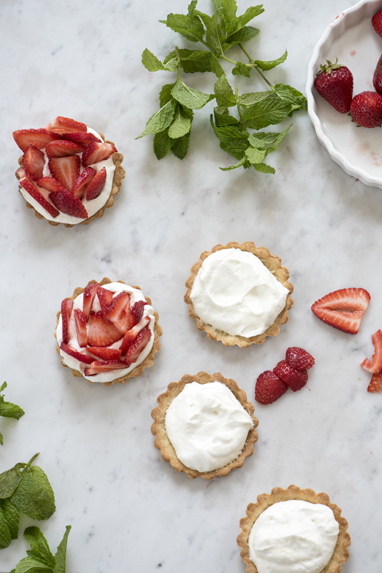 strawberry tartlets | designlovefest