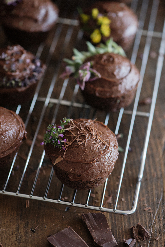 malted chocolate cupcakes | designlovefest