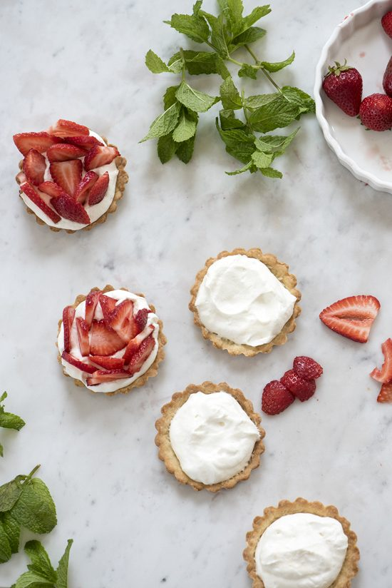 strawberry tarts | designlovefest